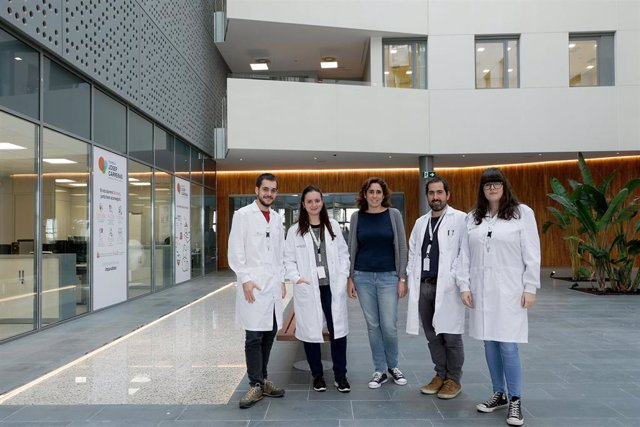 El equipo de la investigadora Ruth M. Risueño en el Insitut de Recerca contra la Leucèmia Josep Carreras