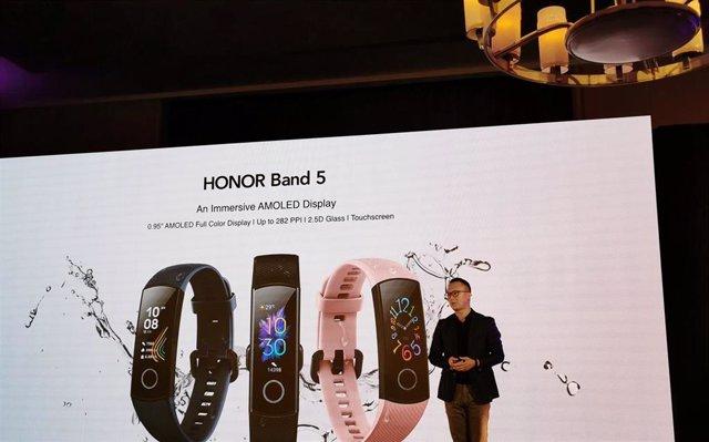 Presentación de la pulsera Honor Band 5 en el marco de la feria de elecrónica de consumo IFA 2019 en Berlín