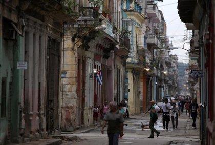 """Cuba.- EEUU refuerza las sanciones para """"aislar financieramente"""" a Cuba"""