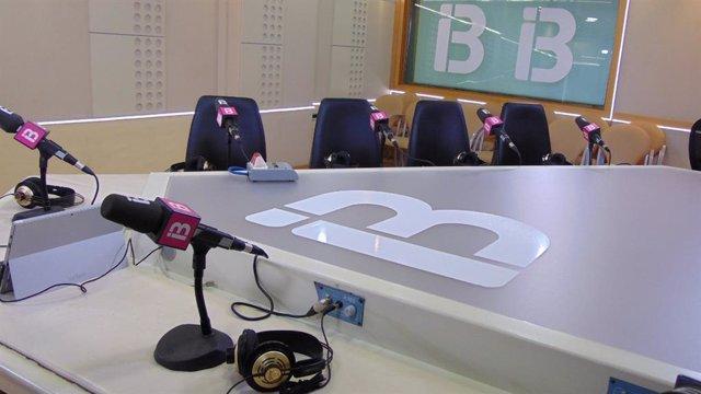 Un estudio de IB3 Ràdio.