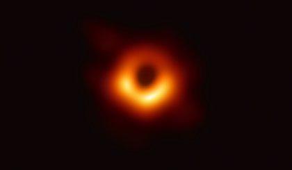 Los científicos que lograron la primera foto de un agujero negro, entre ellos 14 españoles, Premio Breakthrough