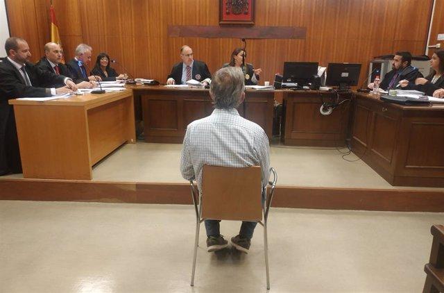 El tractorista condenado, durante el juicio.
