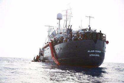 Europa.- Tres migrantes del 'Alan Kurdi', incluido un menor que se intentó suicidar, son evacuados a Malta