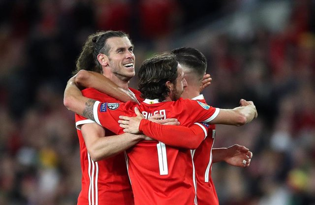 Gareth Bale celebra un gol con la selección de Gales.
