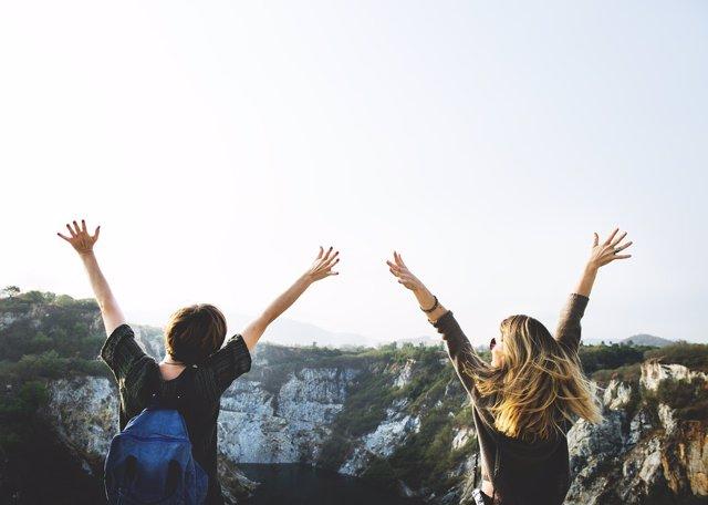 Jovenes, viajeros, turistas