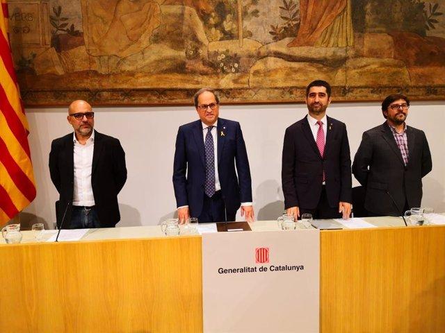 El ingeniero informático Josep Maria Ganyet; el presidente de la Generalitat, Quim Torra; el conseller de Políticas Digitales y Administración Pública, Jordi Puigneró, y el doctor en Derecho Nacho Alamillo.