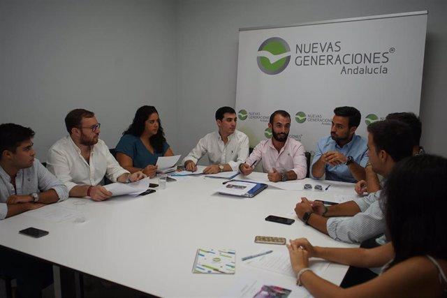 Comité de Dirección de NNGG-A, presidido por Kike Rodríguez