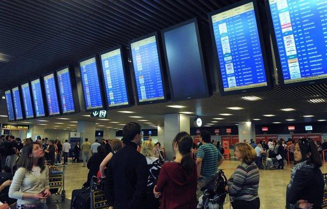 Pasajeros en Madrid-Barajas