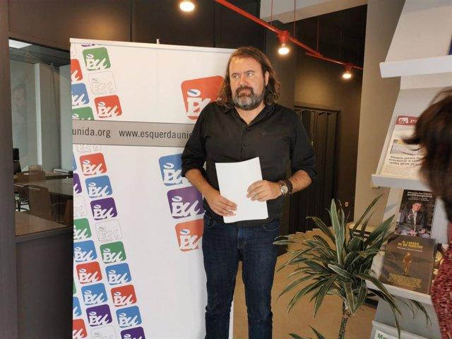 El secretario de Organización de Esquerda Unida (EU), Rubén Pérez, en declaraciones a los medios.