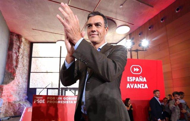 """Sánchez exhibe la unidad del PSOE ante el """"riesgo cierto"""" de elecciones con un m"""