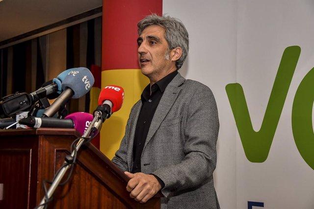 El candidato de Vox al Congreso por Cuenca, Iván Vélez, participa en un acto del partido en Cuenca.
