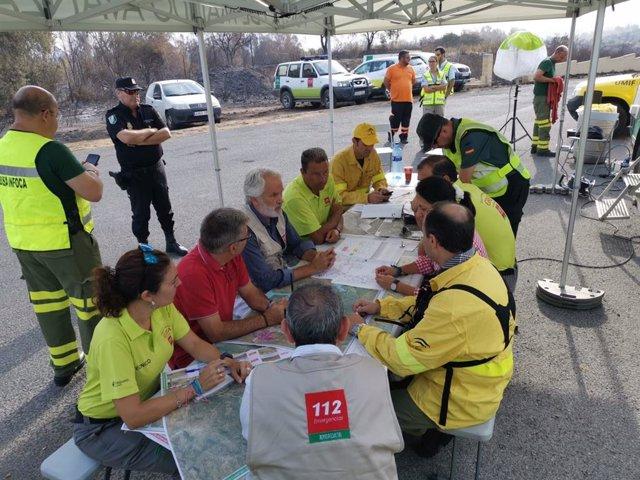 La dirección de Extinción del incendio del Dispositivo para la Prevención y Extinción de Incendios Forestales de Andalucía en El Ronquillo