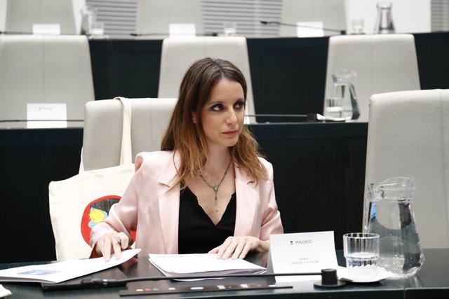 La delegada de Cultura, Turisme i Esport de Madrid, Andrea Levy durant un ple a l'Ajuntament on es debat l'aprovació provisional del projecte Madrid Nou Nord.