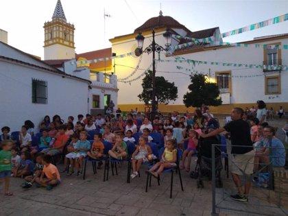 Más de 5.000 personas de pequeños municipios de Huelva disfrutan de la gran pantalla gracias a 'Cine en el pueblo'