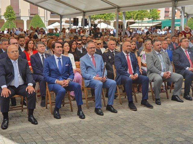 El consejero de Fomento, Juan Carlos Suárez-Quiñones, participa en los actos del Día del Bierzo.