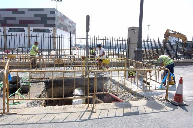 Ultiman las obras de Aguas de Cádiz para mejorar la red de pluviales de la Avenida del Puerto