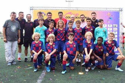El Barcelona gana al Espanyol en la final de la primera Copa Costa de Almería de fútbol alevín