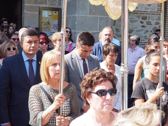 La delegada del Gobierno, Mercedes Martín participa junto a miles de fieles en la romería de la Virgen de la Chilla.
