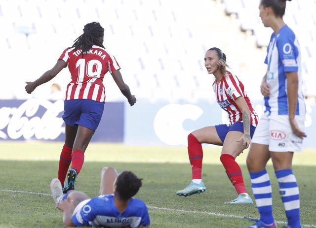 Fútbol.- (Crónica) El Barcelona arrolla al CD Tacón y el Atlético inicia la defe
