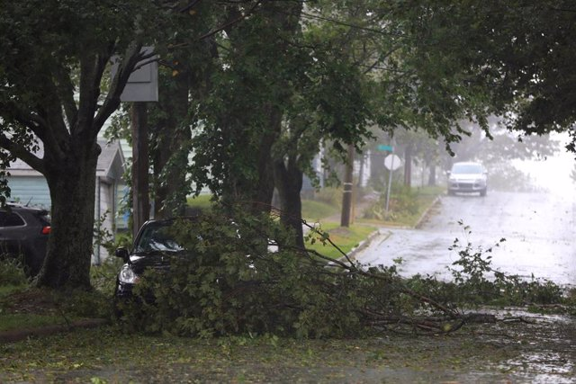 El huracán 'Dorian' a su paso por Nueva Escocia