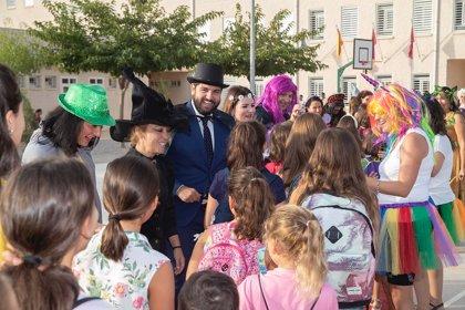 """López Miras: """"Comienza el curso escolar con más ayudas que nunca para las familias de la Región de Murcia"""""""