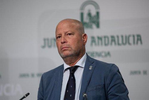 El consejero de Educación y Deporte, Javier Imbroda, en la rueda de prensa tras la reunión del Consejo de Gobierno de la Junta de Andalucía.