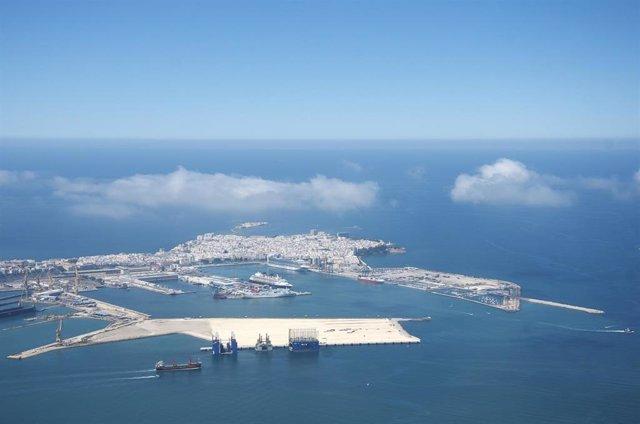 Cádiz.-Puertos.- La Autoridad Portuaria avanza en la pavimentación y urbanización de la nueva terminal de contenedores