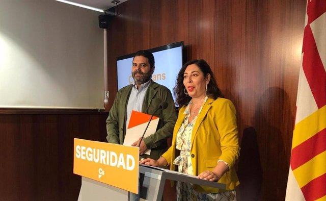 Paco Sierra y Luz Guilarte, Cs