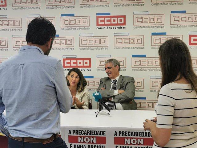 La diputada de Galicia en Común Yolanda Díaz en una rueda de prensa tras reunirse con técnicos de enfermería.