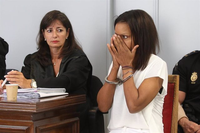 Ana Julia se echa a llorar en el arranque del juicio con jurado