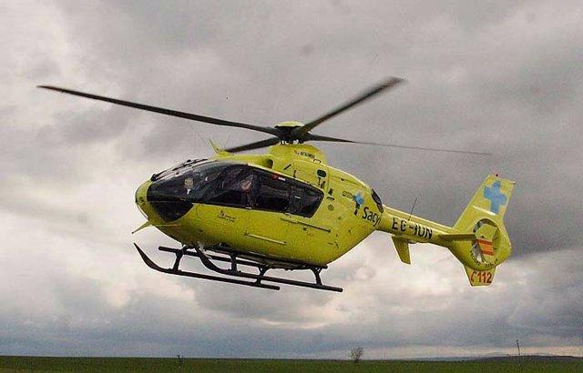Imagen de archivo de helicóptero medicalizado de Sacyl