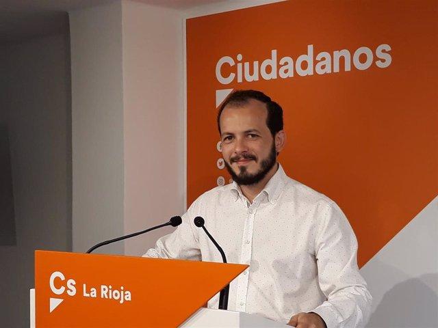 El portavoz autonómico de Cs La Rioja, Pablo Baena, en comparecencia de prensa