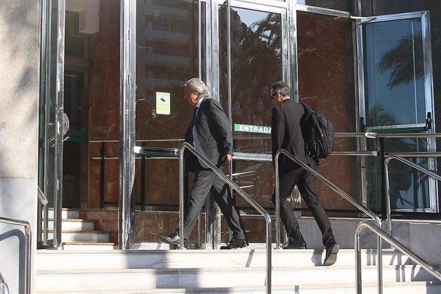 Francisco y Miguel Ángel Torres entran al Palacio de Justicia