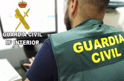 Detenidas tres personas por estafar unos 11.000 euros a una cadena de hipermercados a nivel nacional