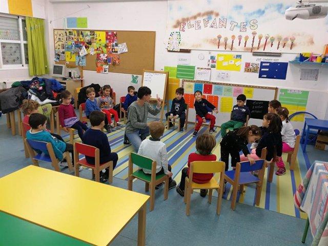 Imagen de recurso de unos alumnos en clase.