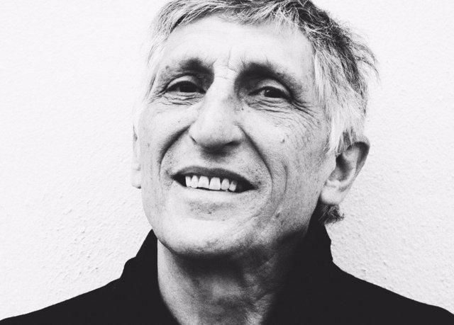 El poeta Carmelo Sánchez Muros