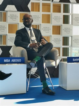 Ministro César Mba Abogo
