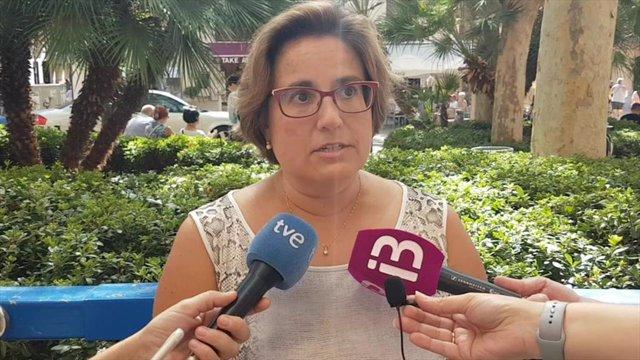 La portavoz del grupo municipal del PP, Mercedes Celeste.