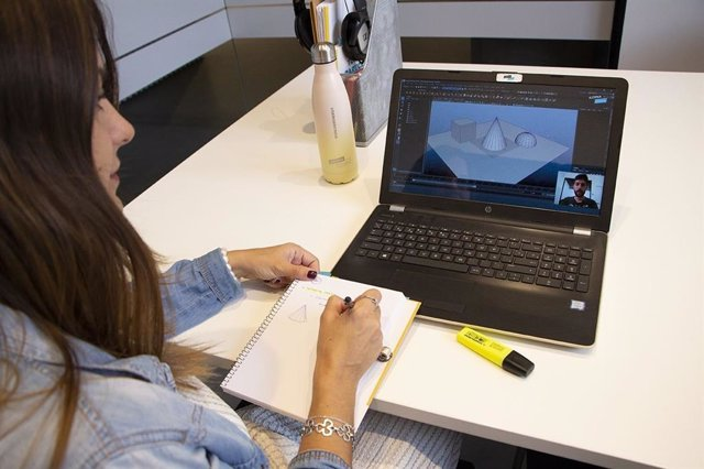 Los alumnos de ILERNA Online estudian a través del Campus