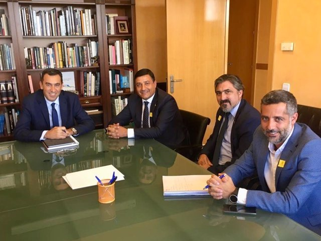 Reunión del presidente de la CHT, Antonio Yáñez, con el presidente de la Diputación de Ávila, Carlos García.