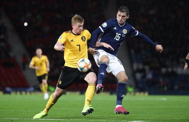 El jugador belga Kevin De Bruyne en el partido de clasificación para la Eurocopa 2020 contra Escocia