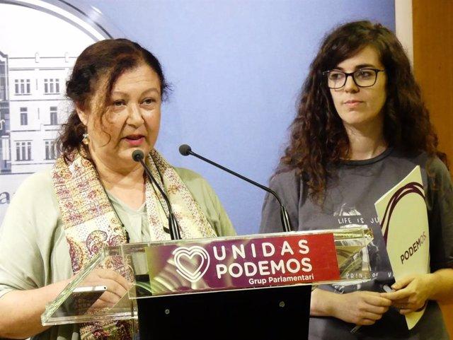 La secretària general de Podem, Mae de la Petxina, i la diputada Esperança Sans.