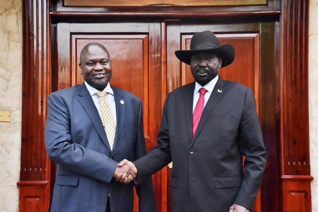 Riek Machar y Salva Kiir se reúnen en Yuba