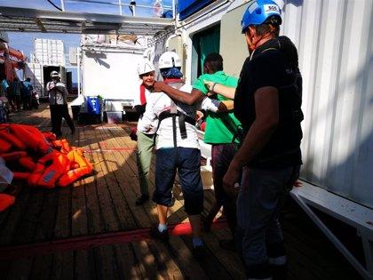 Europa.- El 'Ocean Viking' rescata a otros 34 migrantes localizados en el Mediterráneo por un velero