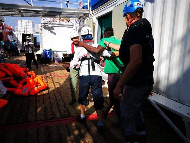 Europa.- El 'Ocean Viking' rescata a otros 34 migrantes localizados en el Medite