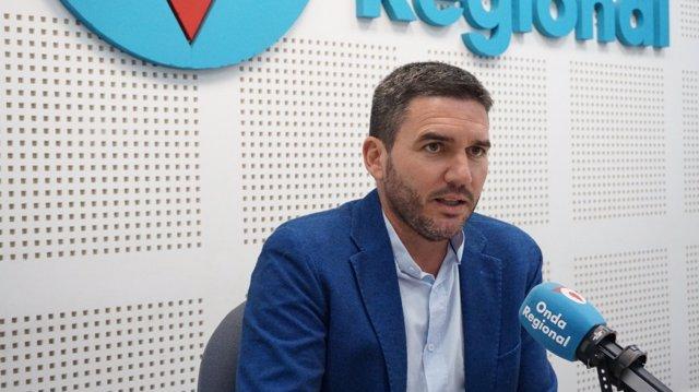 El consejero de Agricultura, Antonio Luengo, en la entrevista en el informativo matinal de Onda Regional