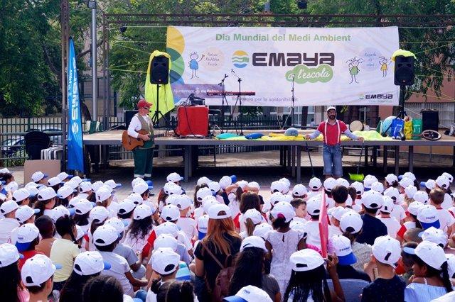 Activitat d'Emaya a una escola.