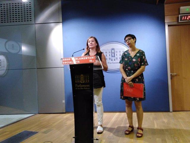 La presidenta del Govern, Francina Armengol, a una roda de premsa.