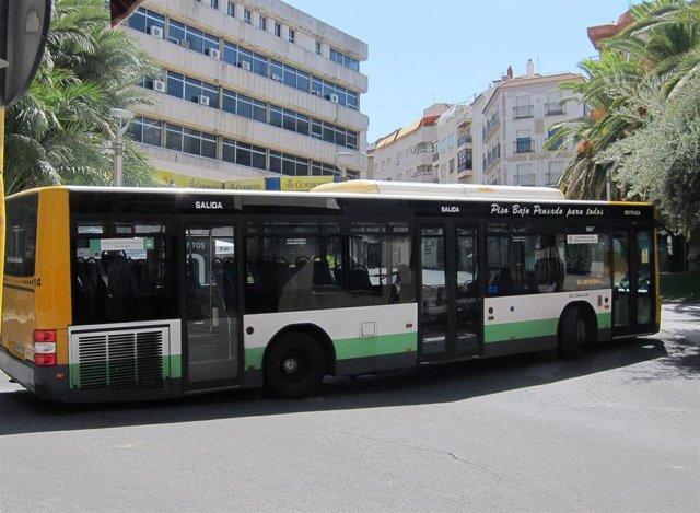 Un autobús urbano de Jaén.