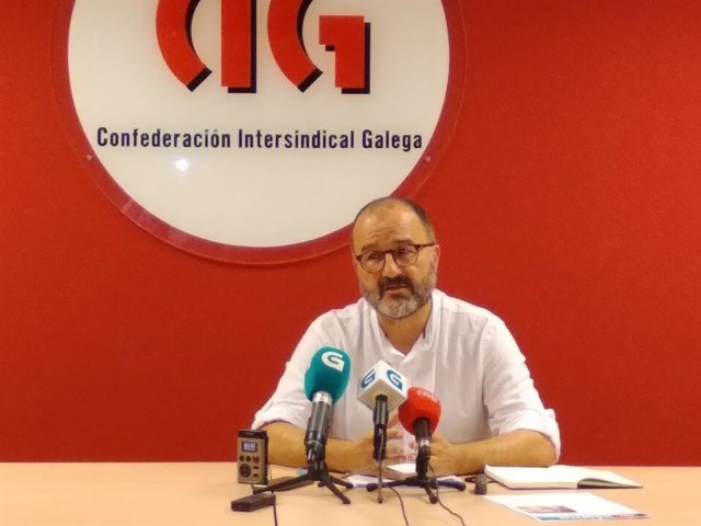 Rueda de prensa del secretario nacional de CIG-Ensino, Suso Bermello